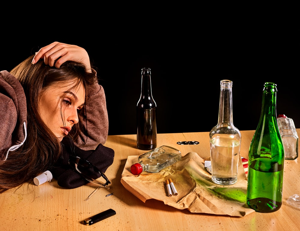 Identifying Common Symptoms of Alcoholism